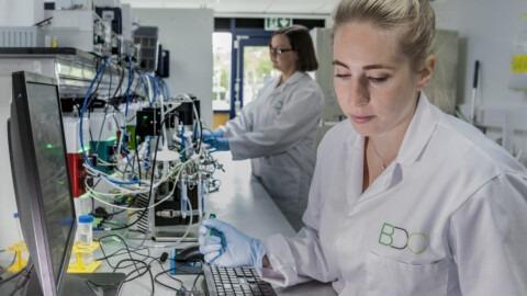 YB-Q3-_0000_BioYorkshire-lab-Photo-credit-BDC